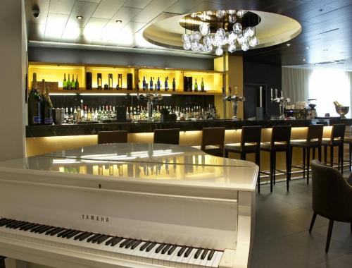 Hotel Bar with Piano
